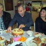 Разговор в теплой дружеской обстановке был о значении хлеба